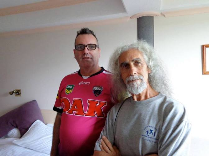 DON MCLEOD AND IZZY IN A DODGY MOTEL IN TAREE
